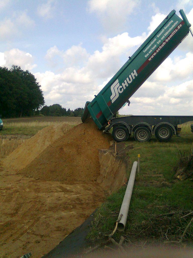 Sand, Erdarbeiten, Sattelzug